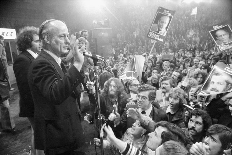 Bergande_Abb-5_Rene_Levesque_-_election_1973_-_LAC_PA115039_Library-and-Archives-Canada